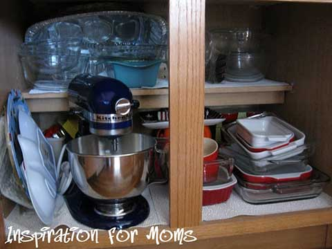 21 Days To A Clean Organized Home: Day 18- Organizing Glass Bakeware