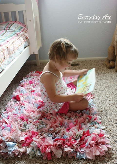 make a rag-rug by everyday art